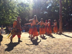 : Dancers at the etrance